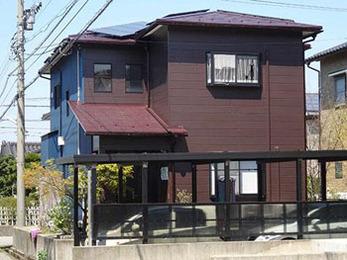 耐UV性機能を強化したファインUVベストで屋根を長期保護。