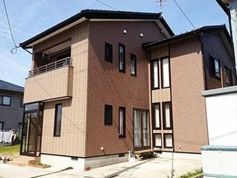 外壁:ファインシリコンフレッシュ、屋根:ファインウレタンU100