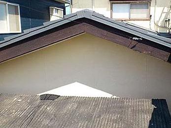 屋根や外壁が綺麗になり、見違えました。