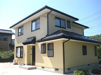 外壁:ファインシリコンフレッシュ、屋根:遮熱シリコン塗装