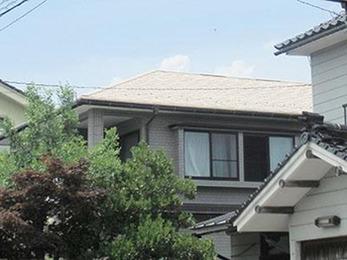 屋根はガイナで塗装し、タスペーサーを取付ました。